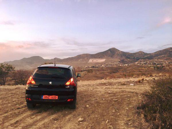 Síp: Qua biên giới