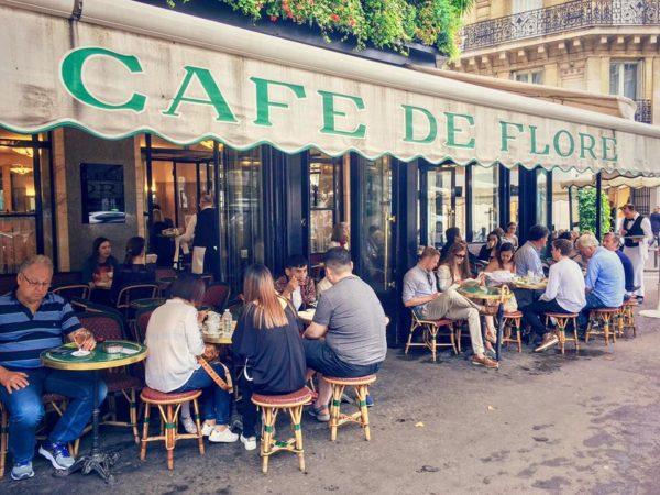 Paris, quán Café de Flore và những câu chuyện tình dang dở