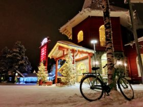 Ngôi làng của những ông già Noel
